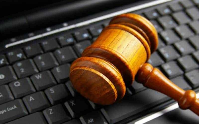 Les nettoyeurs du net et des techniques juridiques
