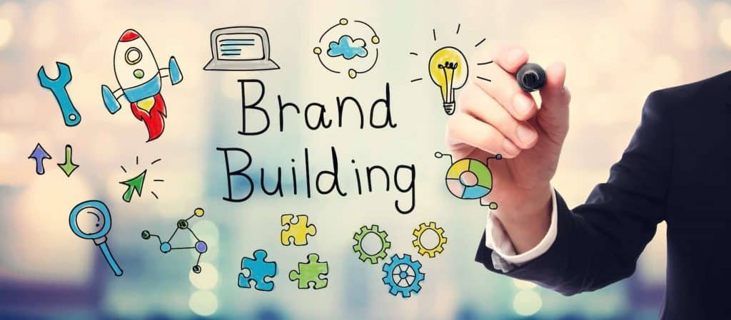 Gestion en ligne de la e-réputation des entreprises et marques